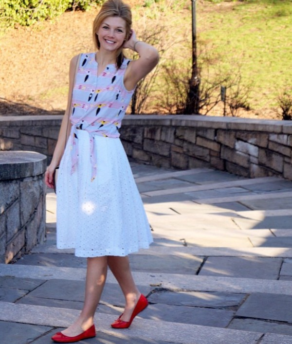 White eyelet skirt and tie-front top! | The Uptown Charade